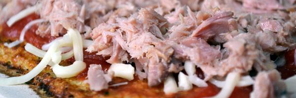 gezonde pizza met tonijn