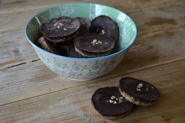 almond buttercups raw cacao