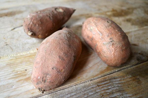 gezonde chips van zoete aardappel