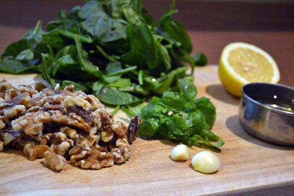 walnoten en spinazie
