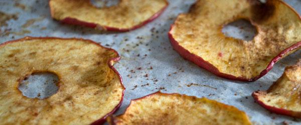 appelchips recept met kaneel